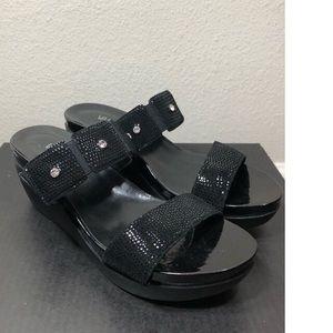 $94 NEW Vaneli black sandals size 9